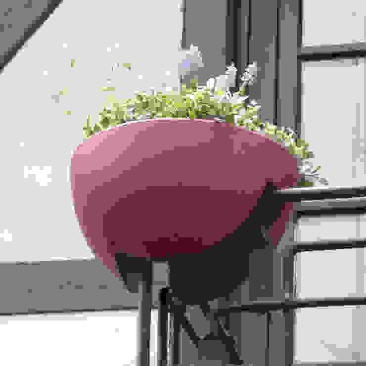 eckling: Der Blumenkasten für Eckgeländer: modern  von studio michael hilgers,Modern