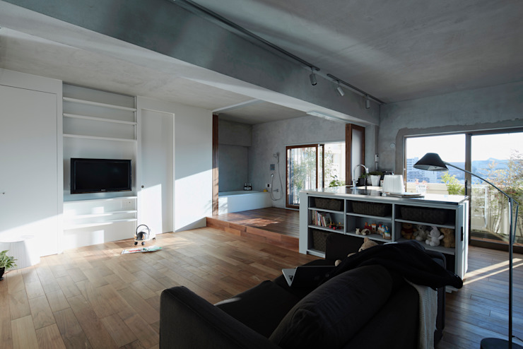 Maisons de style  par Takeshi Shikauchi Architect Office/鹿内健建築事務所, Éclectique