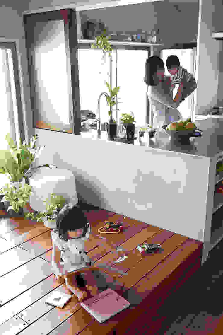 バスキッチンの家 オリジナルな 家 の Takeshi Shikauchi Architect Office/鹿内健建築事務所 オリジナル