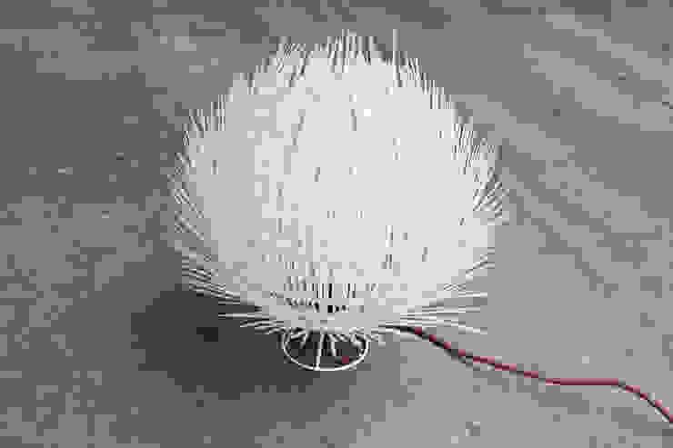 Pumo lamp di Eugenia Minerva Design Eclettico