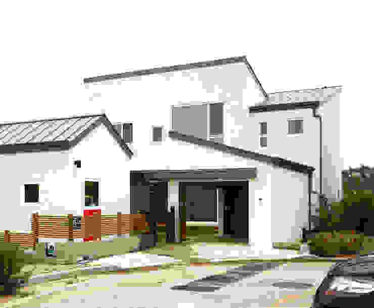 Casas de estilo moderno de 삼간일목 (Samganilmok) Moderno