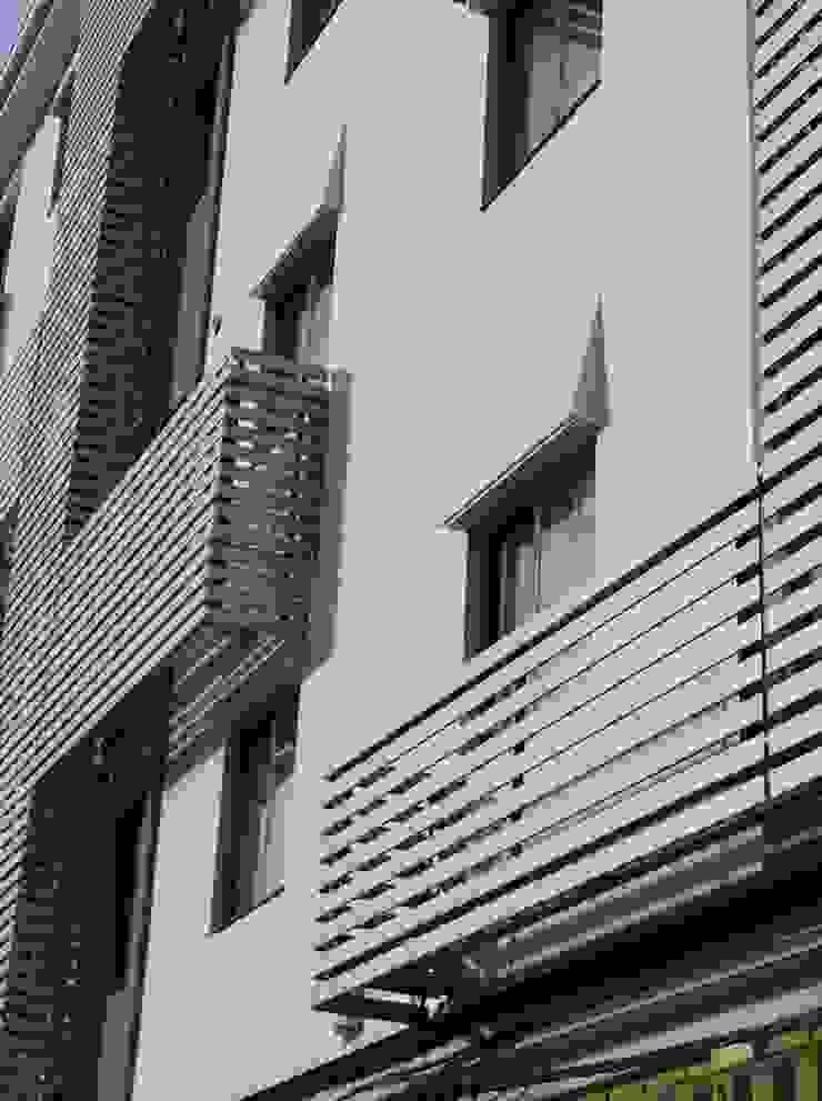 """MEJORA DE ENVOLVENTE TÉRMICA DE LOS BLOQUES DE VIVIENDAS DENOMINADOS """"LOS 100 PISOS"""", EN TUDELA de MYO arquitectura y urbanismo Moderno"""