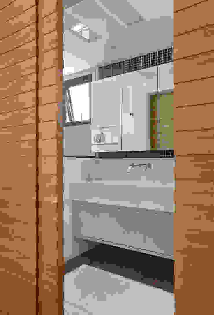 Projeto de Banheiro Banheiros modernos por Leila Dionizios Arquitetura e Luminotécnica Moderno