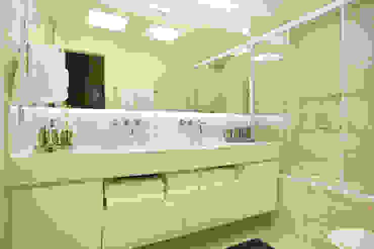 Projeto de decoração de Apartamento Banheiros modernos por Leila Dionizios Arquitetura e Luminotécnica Moderno