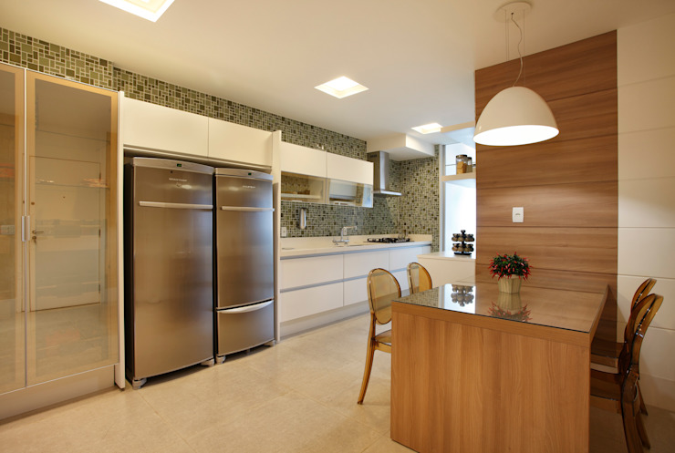 Projeto de decoração de Apartamento Cozinhas modernas por Leila Dionizios Arquitetura e Luminotécnica Moderno