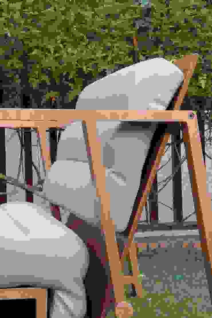MOODY al sol de UNAMO design Moderno
