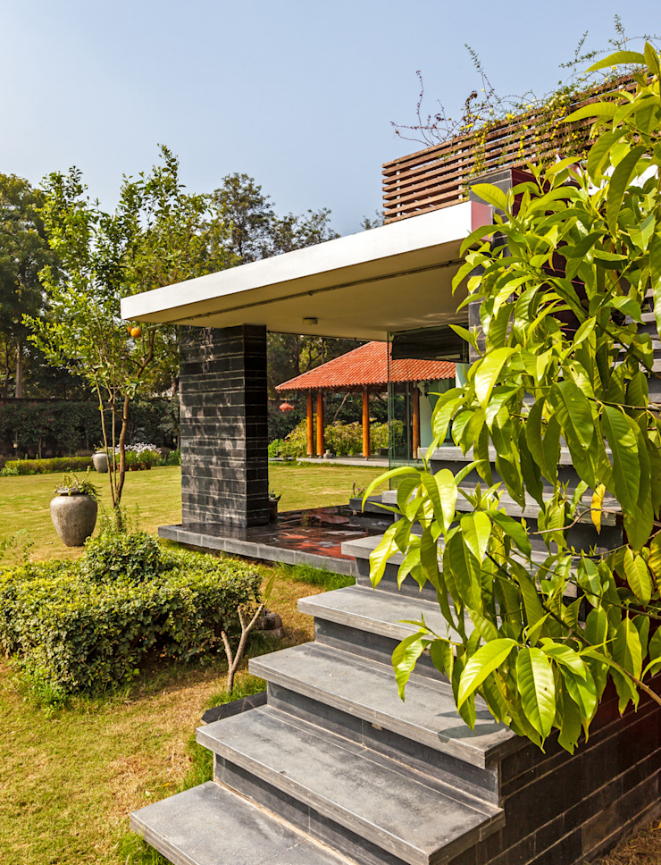 G Farm House Eclectic style garden by Kumar Moorthy & Associates Eclectic