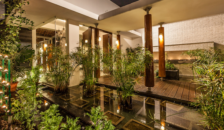 G Farm House:  Garden by Kumar Moorthy & Associates