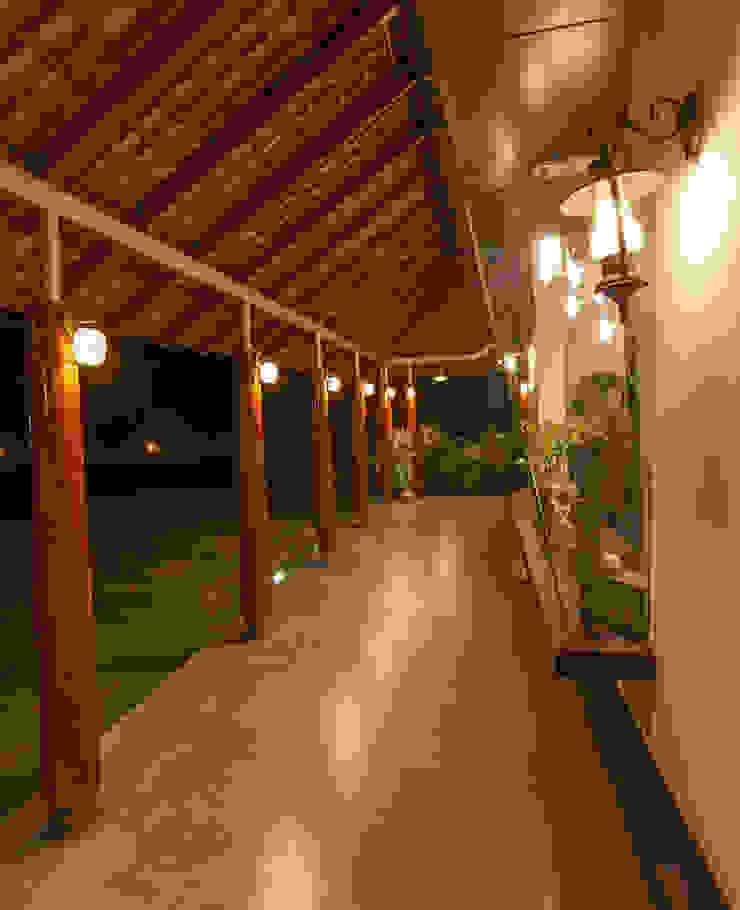 G Farm House Eclectic style balcony, veranda & terrace by Kumar Moorthy & Associates Eclectic