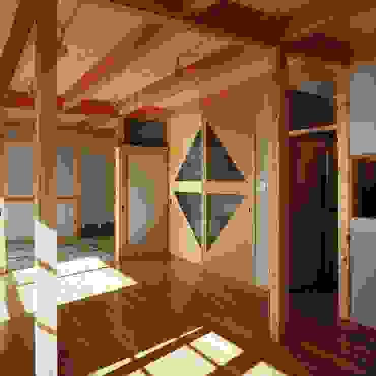 living room オリジナルデザインの リビング の H.Maekawa Architect & Associates オリジナル