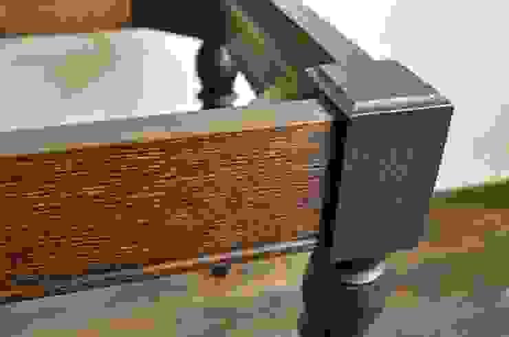fabric stool: retourが手掛けたクラシックです。,クラシック