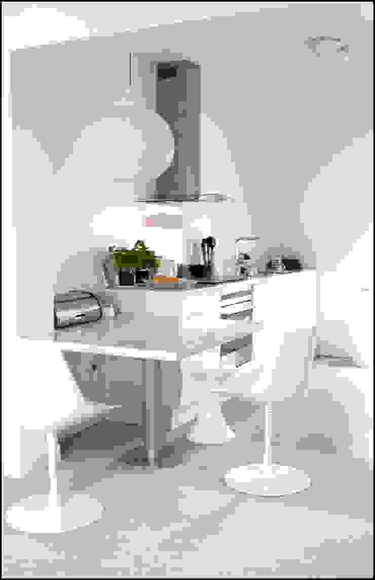 decoration cuisine en corian Cuisine moderne par Agence KP Moderne