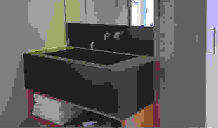 Individuelles Betonwaschbecken : modern  von material raum form,Modern