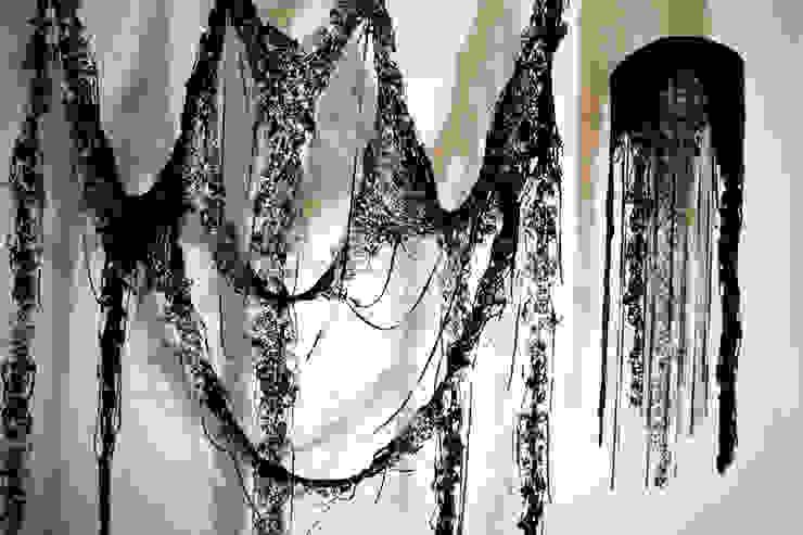 Dentelle noire en papier de soie par Maryse Dugois Éclectique