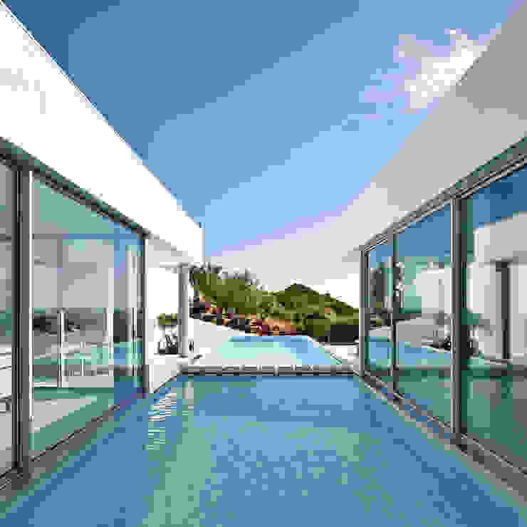Villa Escarpa, Praia da Luz, Portugal Moderne Pools von Philip Kistner Fotografie Modern