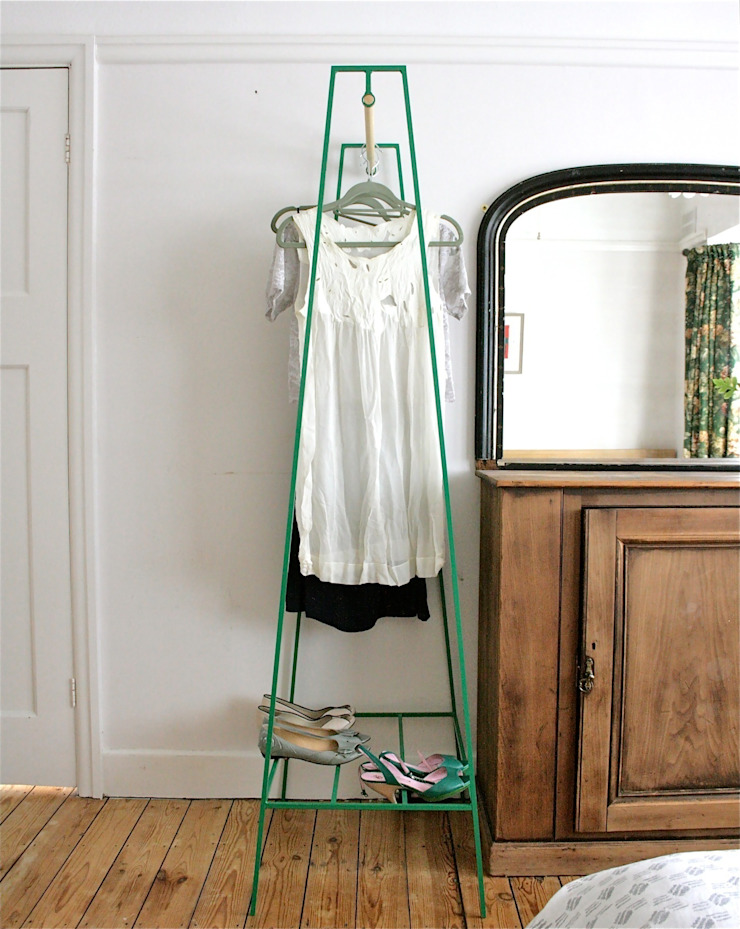 'A' Clothes Rail: minimalist  by &New, Minimalist
