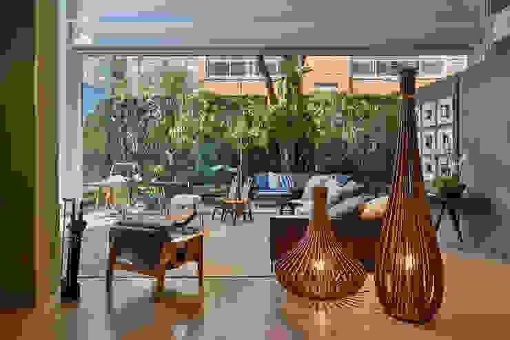 حديث  تنفيذ Eduarda Corrêa Arquitetura & Interiores , حداثي