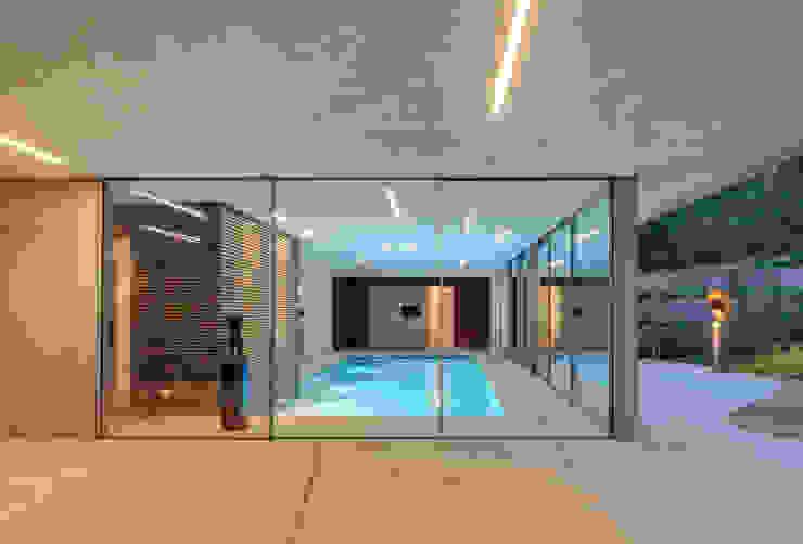 Dune villa Piscinas modernas por HILBERINKBOSCH architecten Moderno
