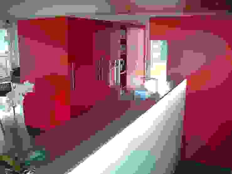 EFH Spescha Zizers Moderne Küchen von hogg architektur Modern