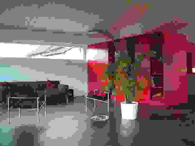 EFH Spescha Zizers Moderne Wohnzimmer von hogg architektur Modern