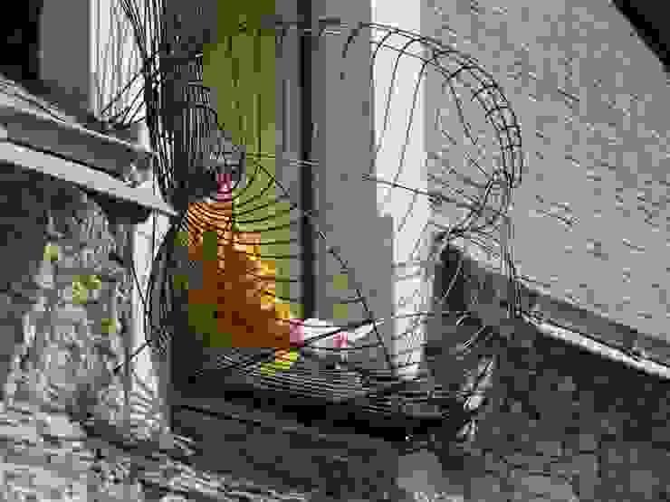Modern Balkon, Veranda & Teras Artiste Sculpteur, Designer et Artisan d'Art Modern