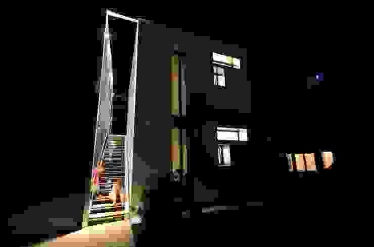 Bed & Breadfast <q>In Grappa</q> Case in stile minimalista di Henry Zilio Ingegnere Architetto Minimalista