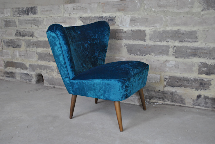 1950's Cocktail Chair in Teal Velvet par Sketch Interiors Éclectique