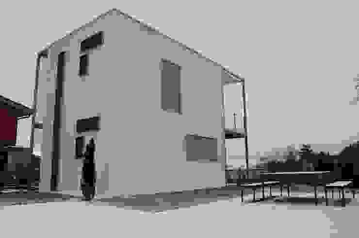 """Bed & Breadfast """"In Grappa"""" Case in stile minimalista di Henry Zilio Ingegnere Architetto Minimalista"""