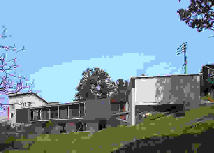 南東側外観 モダンな 家 の TOSHIAKI TANAKA&ASSOCIATES/田中俊彰設計室 モダン