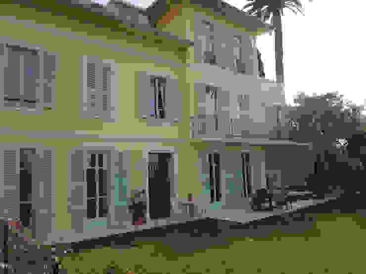 Villa à Menton Maisons classiques par Agence Manuel MARTINEZ Classique