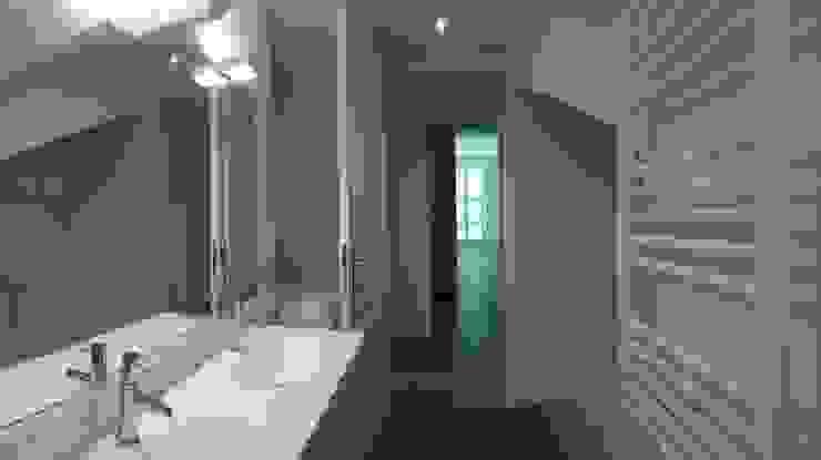 Villa à Menton Salle de bain moderne par Agence Manuel MARTINEZ Moderne