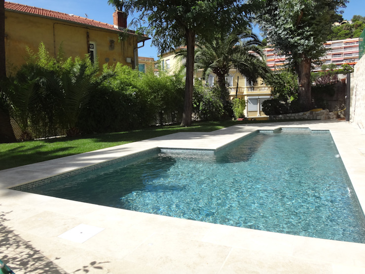 Villa à Menton Piscine moderne par Agence Manuel MARTINEZ Moderne