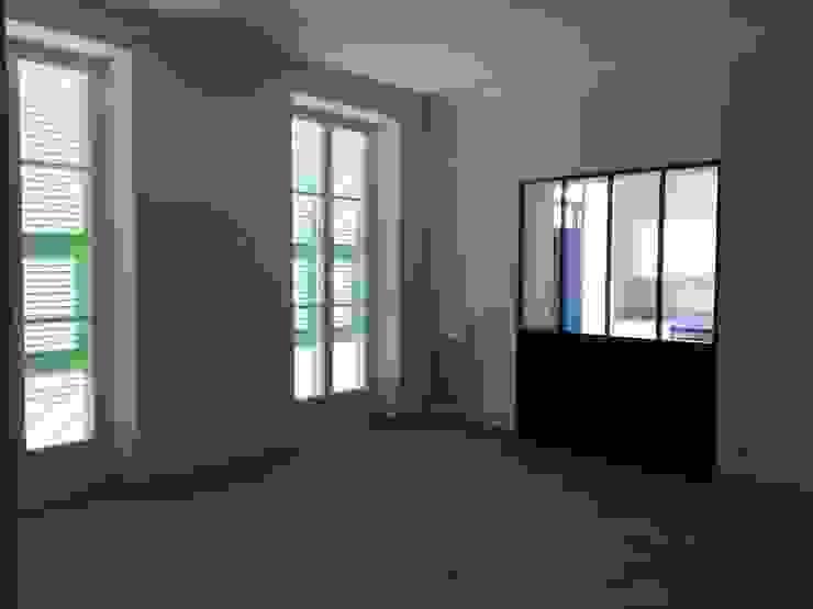 Villa à Menton Salle à manger moderne par Agence Manuel MARTINEZ Moderne
