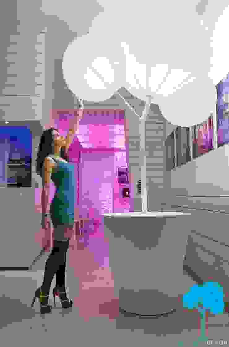 @Blanco Spazi commerciali moderni di Bellaria Design Moderno