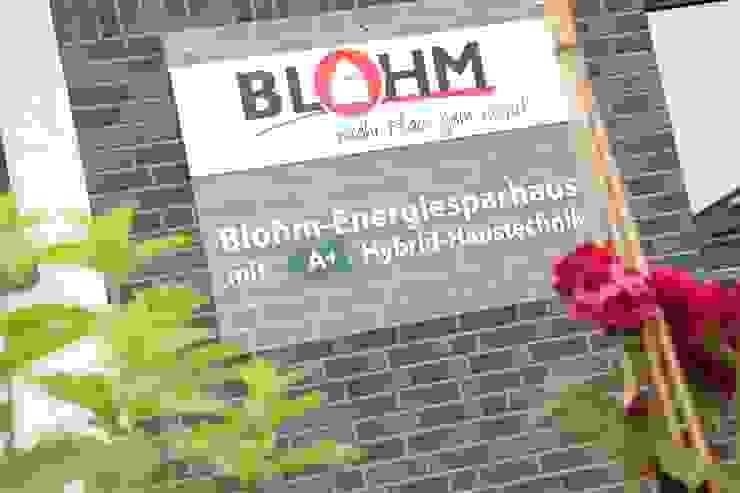 現代房屋設計點子、靈感 & 圖片 根據 Heinrich Blohm GmbH - Bauunternehmen 現代風