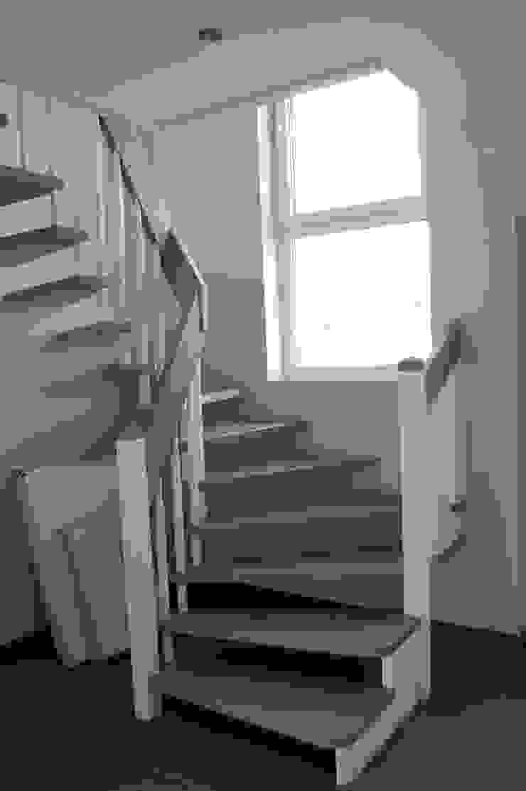 現代風玄關、走廊與階梯 根據 Heinrich Blohm GmbH - Bauunternehmen 現代風