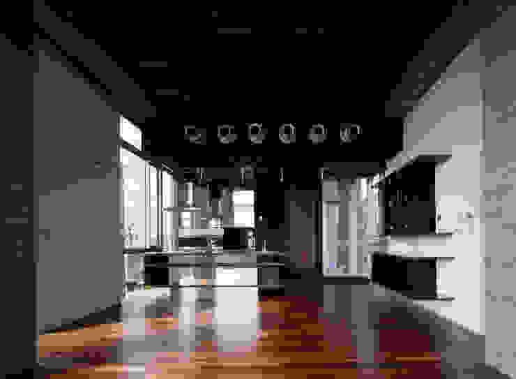 西岡本のコートハウス オリジナルデザインの リビング の 田中一郎建築事務所 オリジナル