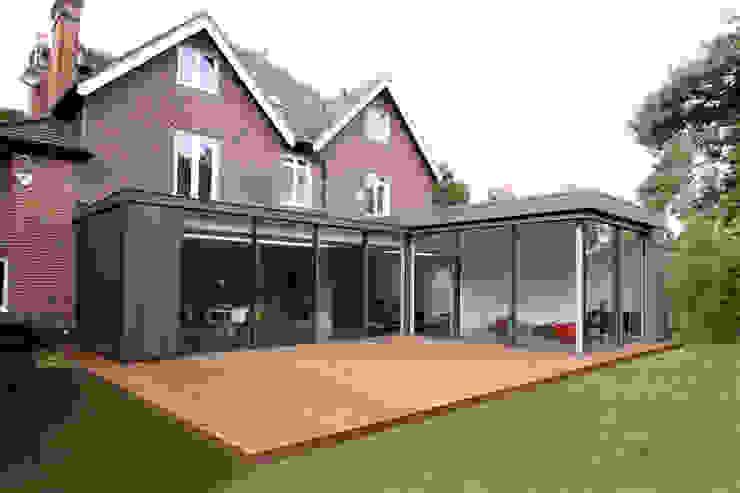 Ashley Road Modern living room by IQ Glass UK Modern