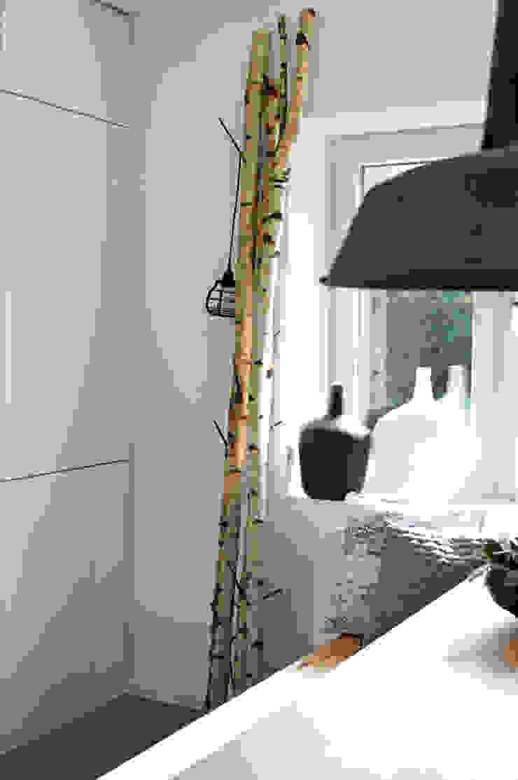 Scandinavian style dining room by Kristina Steinmetz Design Scandinavian