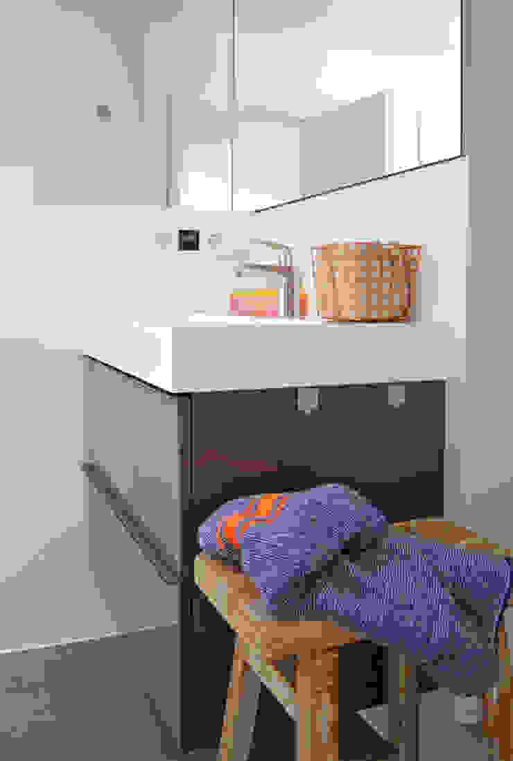 Industrial style bathroom by Kristina Steinmetz Design Industrial