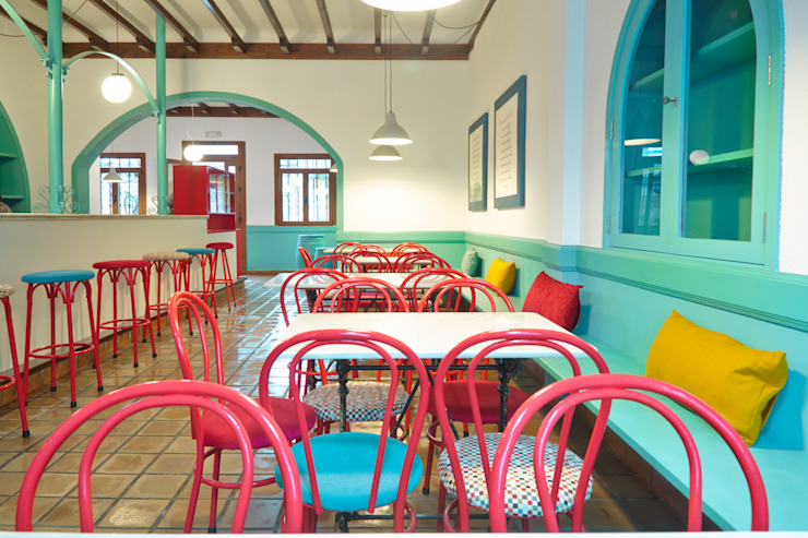 Reforma de café-bar para vinoteca: Rosalinda Espacios comerciales de estilo ecléctico de Estudio de Arquitectura Sra.Farnsworth Ecléctico