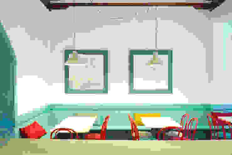 Reforma café-bar para Vinoteca: Rosalinda de Estudio de Arquitectura Sra.Farnsworth Ecléctico