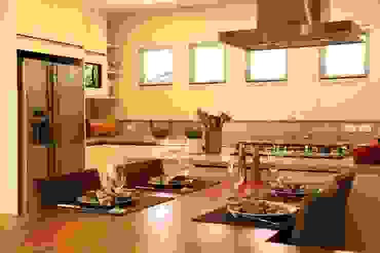 Cozinha Cozinhas modernas por Ornella Lenci Arquitetura Moderno