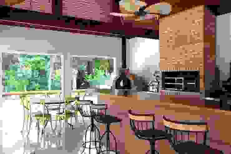 Churrasqueira Varandas, alpendres e terraços modernos por Ornella Lenci Arquitetura Moderno