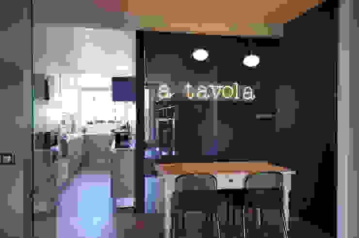 Phòng ăn phong cách hiện đại bởi Barbara Sterkers , architecte d'intérieur Hiện đại