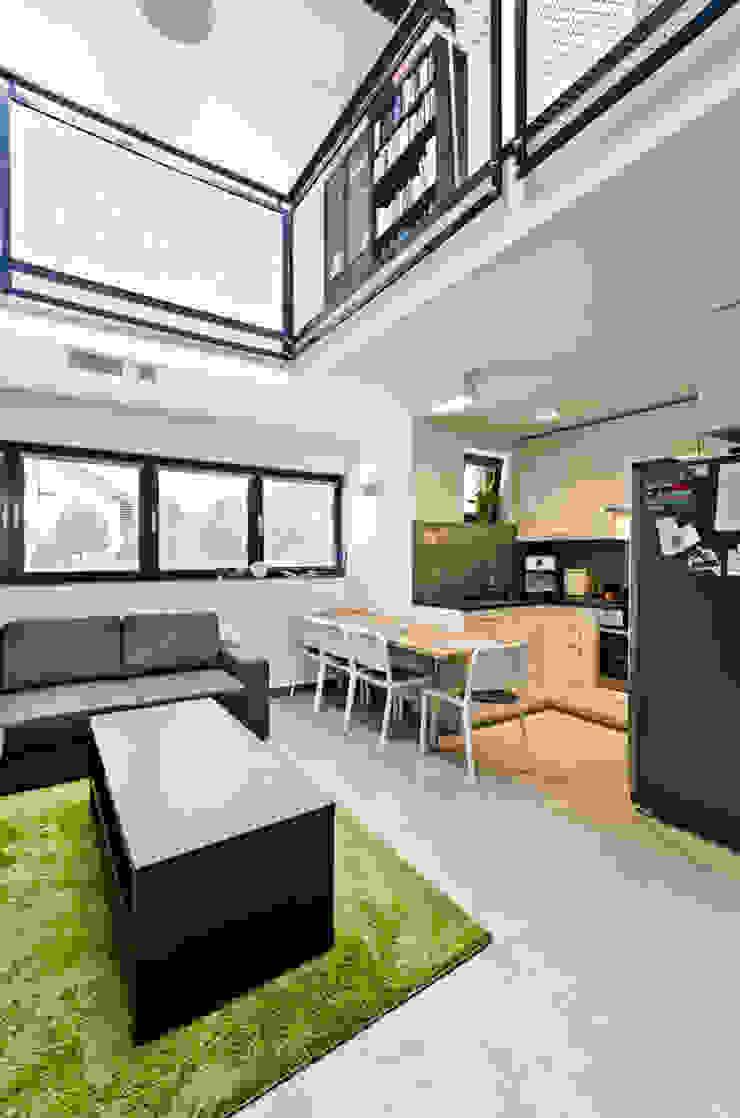 ENDE marcin lewandowicz Modern Dining Room