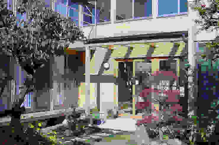 外観(秋): 八島建築設計室が手掛けた庭です。,オリジナル