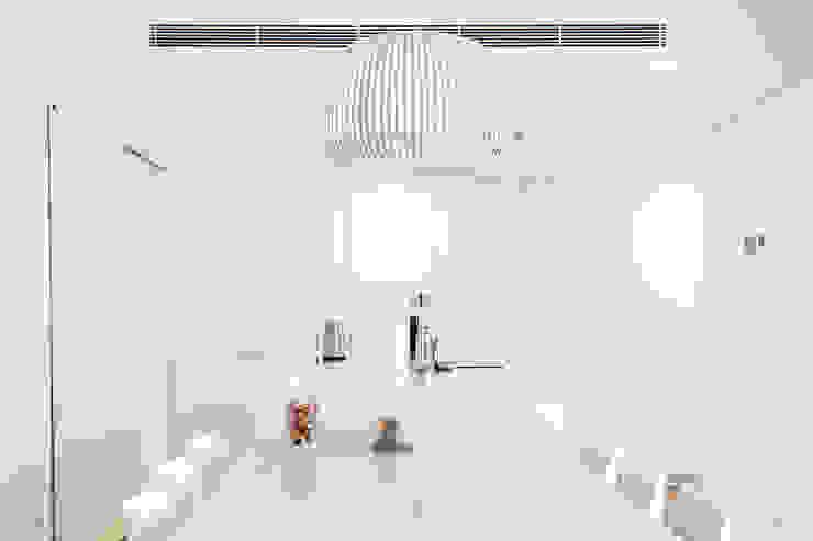 Cocinas de estilo escandinavo de RM arquitectura Escandinavo
