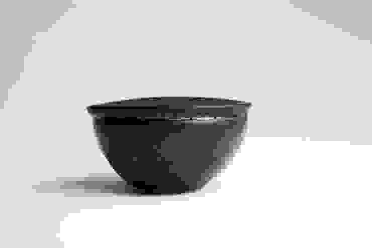 Finch Bowl in black: modern  by Jo Davies Ceramics, Modern