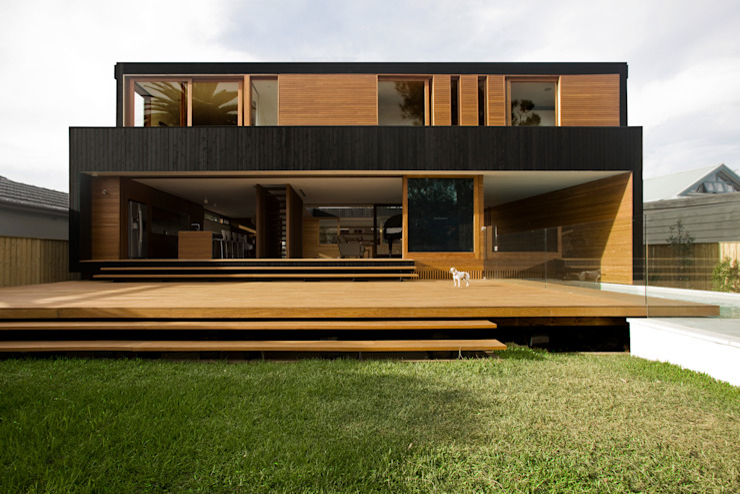 Houses by CHROFI, Modern